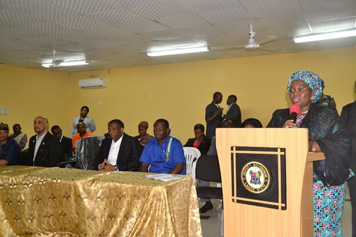 Lagos presents cheques to Iyana-Ipaja, Idimu tanker fire victims (1)
