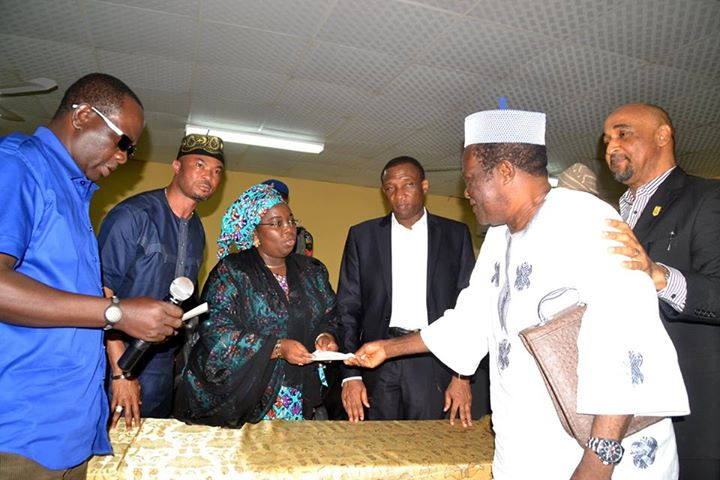 Lagos presents cheques to Iyana-Ipaja, Idimu tanker fire victims (3)