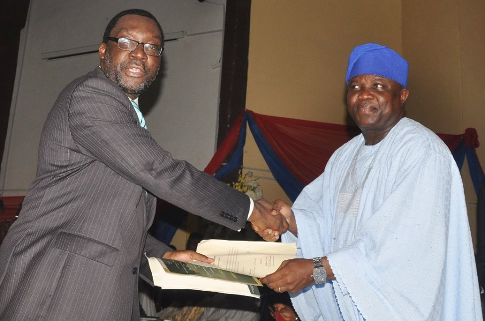 Ambode swears in commissioners 19th October 2015 (9)
